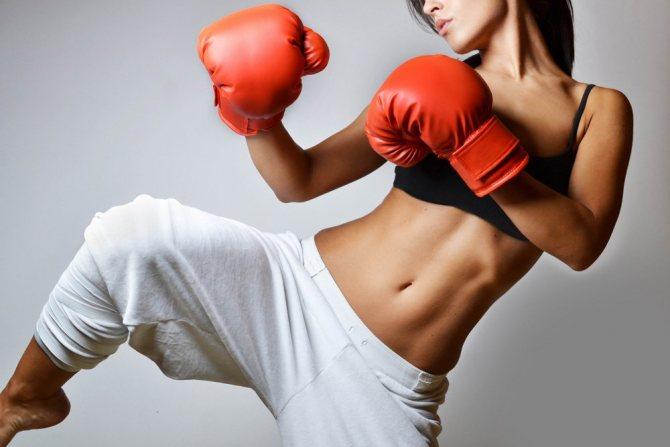 Фитнес-тренировки и кикбоксинг: сходство и различия